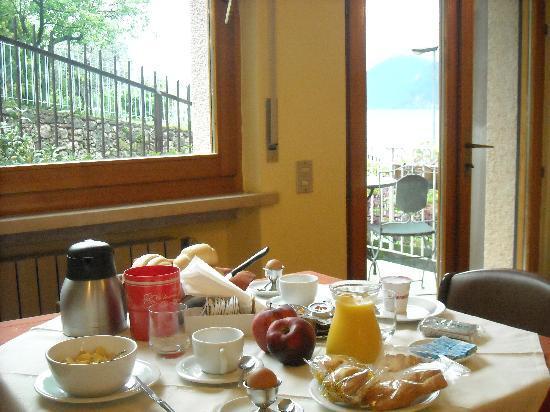 albergo casa Sartori: colazione a buffet