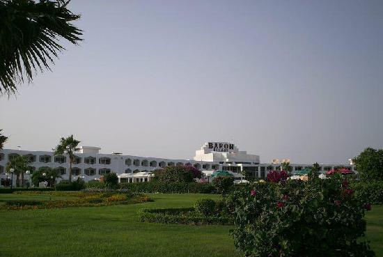Baron Resort Sharm El Sheikh: BARON RESORT - VISTA DESDE LOS JARDINES