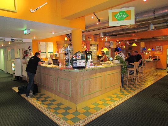 Ibis Hotel Kassel: Lobby und Empfang