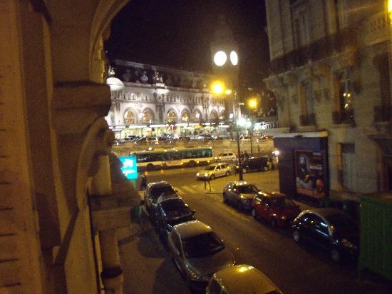 Palym Hotel: View of Gare de Lyon from Room 14