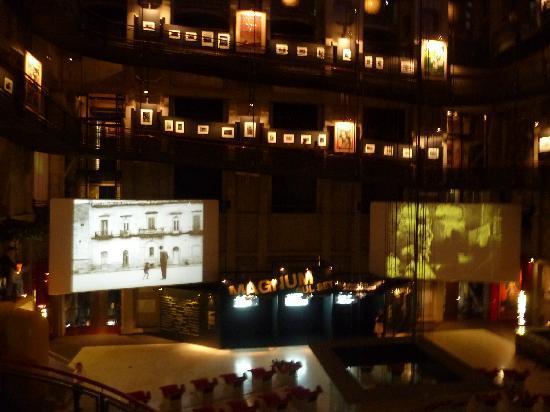พิพิธภัณฑ์ภาพยนตร์แห่งชาติ: Vários andares com mostras diversas.