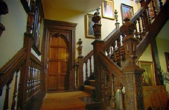 Plas Teg Jacobean Mansion: The stunning oak staircase