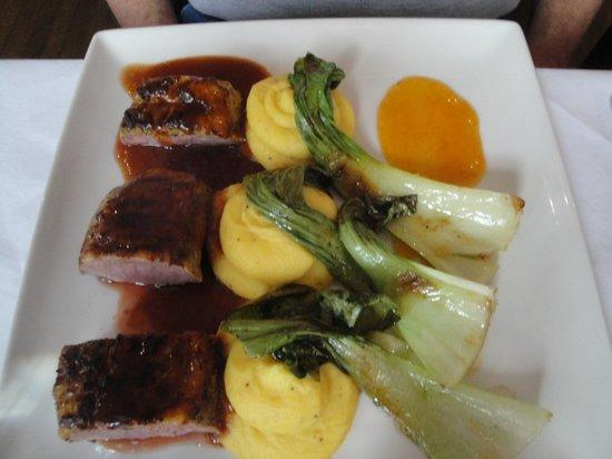 Zuni: Duck with bok choy