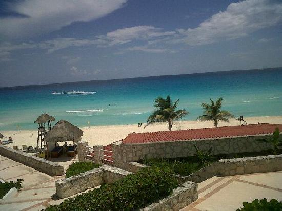 Solymar Cancun Beach Resort: View from Hotel