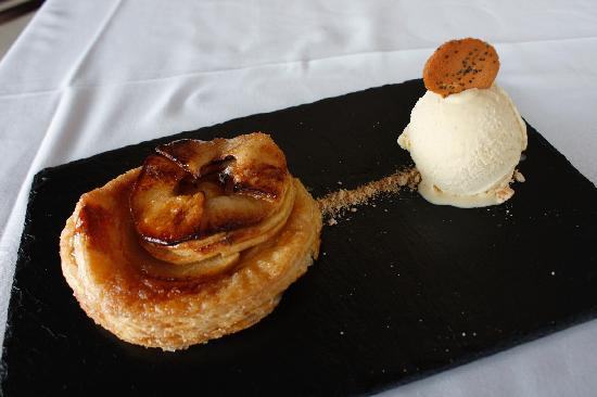 Restaurante Olazal: Tarta de manzana casera