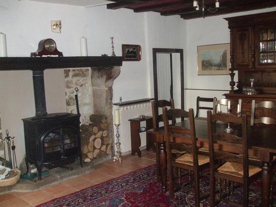 La Maison Puy L'Abbe: our dining room