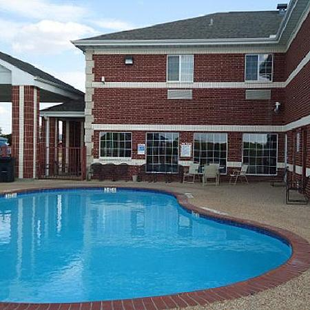 Atria Hotel & RV McGregor: Pool