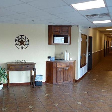 Atria Hotel & RV McGregor: Lobby Area