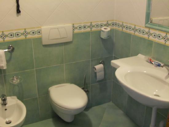 Hotel Albatros : scorcio bagno camera