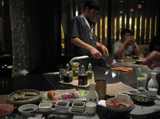 Kagen Teppanyaki @ Taojianglu : chef in action