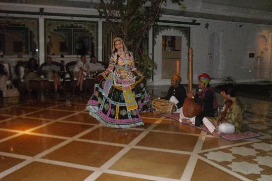 Taj Lake Palace Udaipur: Traditional Dance