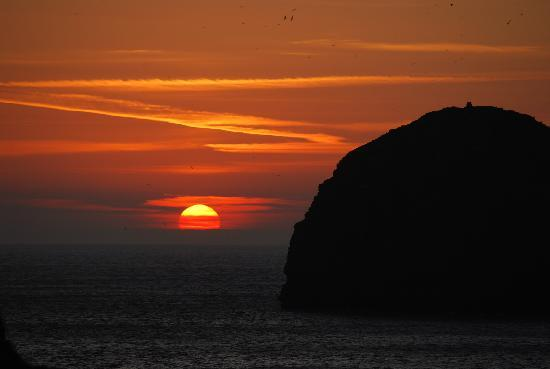 Pendragon Country House: Sunset at Trebarwith Strand