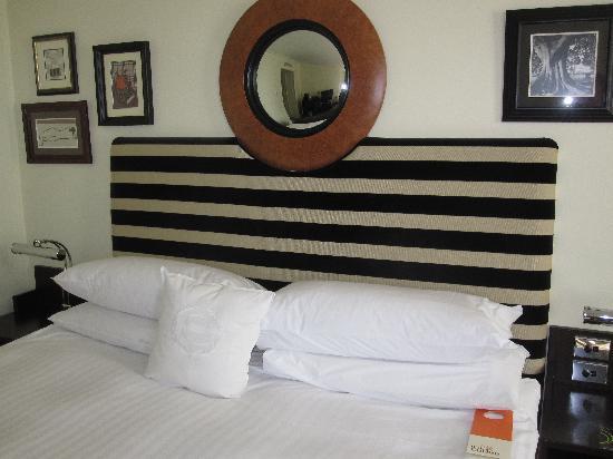 เชอราตัน ออน เดอะพาร์ค ซิดนี่ย์: bedroom