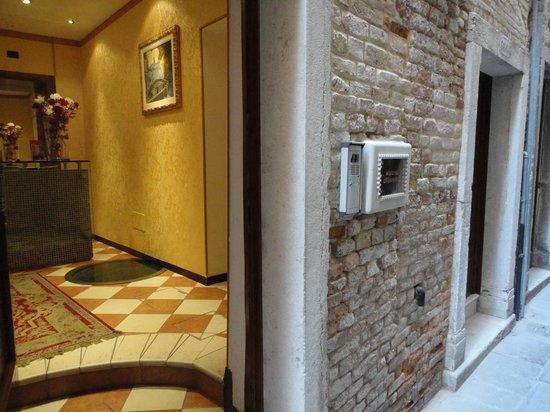 Residenza Ca' San Marco: entrata