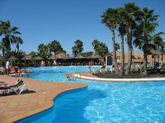 Oasis Duna Hotel: Just one of the many pools.