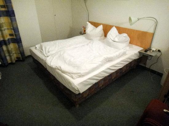 ลอเรนซ์โฮเต็ล เซ็นทรัล: Bedroom 2