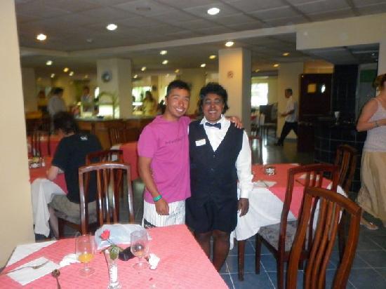 Hotel Gran Caribe Sunbeach: Con la lindísima y carismática Dayzy