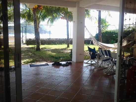Yajure Surf Hostel: common area