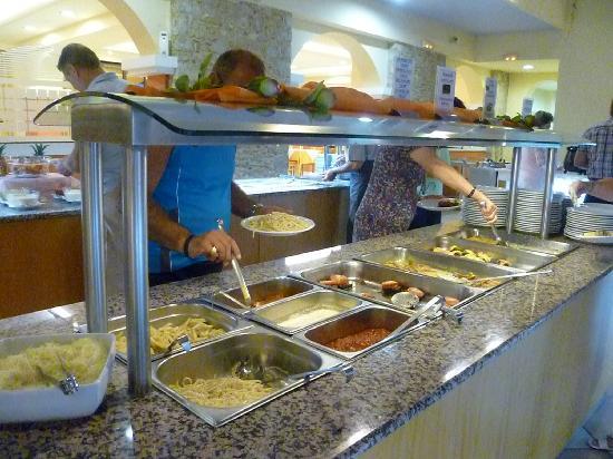 Dimitra Beach Hotel: Restaurant principal