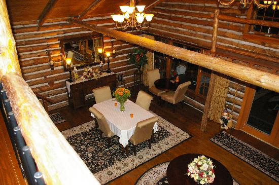 The Chalet of Canandaigua: dining area