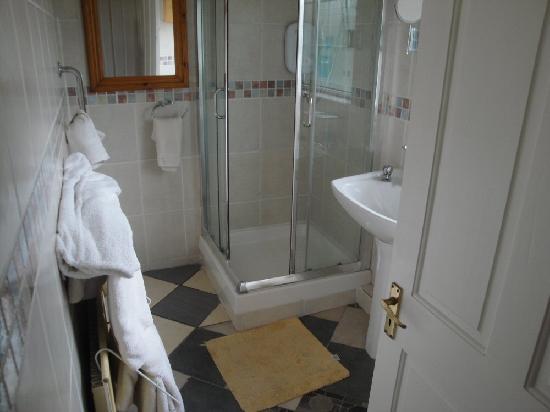 Caw Cottage B&B: bath