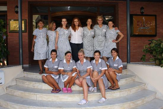 Bio Suites Hotel : Alkmini and her cleaning staff