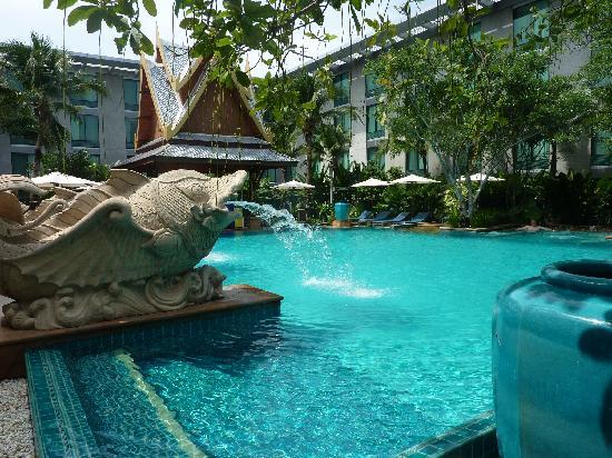 โนโวเทล แบงคอค สุวรรณภูมิ แอร์พอร์ท: Hotel Pool