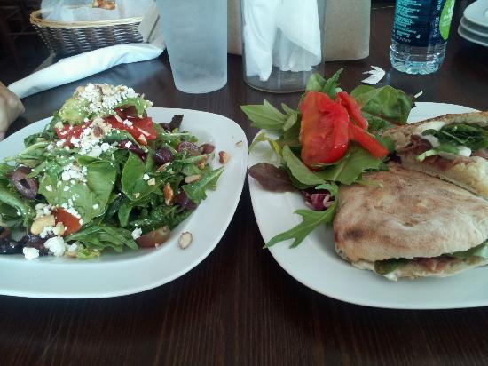 Sapori di Napoli: Salad and Sandwich Enough for Two