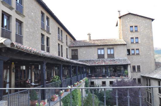 Sos del Rey Catolico, Espagne : The outside terrace.