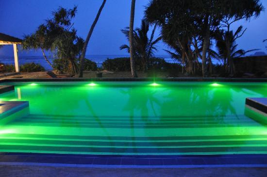 Weligama Bay Resort : Pool at night