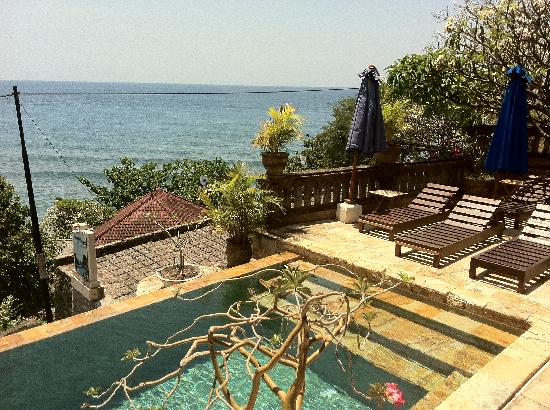 Bayu Cottages Hotel and Restaurant: Piscine