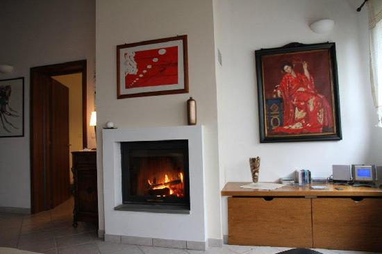 Bed & Breakfast Solo per Quattro: Fireplace