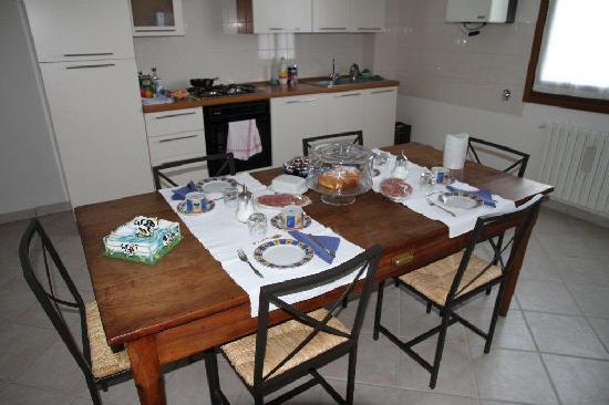 Bed & Breakfast Solo per Quattro : Kitchen / Meals