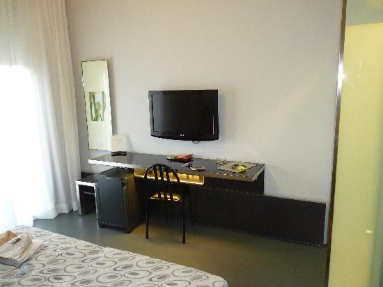 Hotel Verona: Vue de la chambre