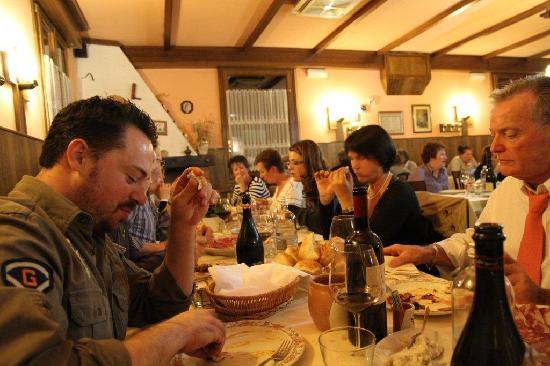 Zocca, Italy: Restaurant ~~ Family / Friends