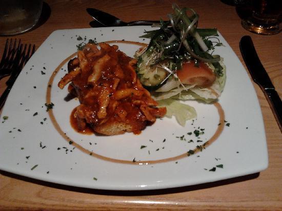 Kilmartin Museum Cafe: Chicken and Chorizo