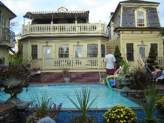 Brass Key Guesthouse : The pool. Gorgeous, isn't it?