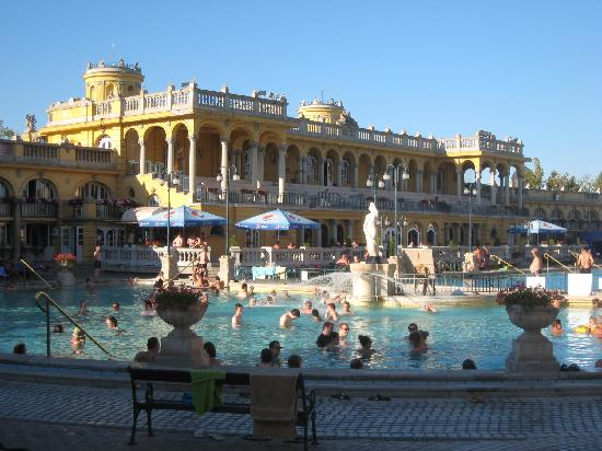 Széchenyi Baths and Pool: The outdoor baths