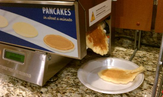 Holiday Inn Express Hotel & Suites Dubuque-West: Pancake maker