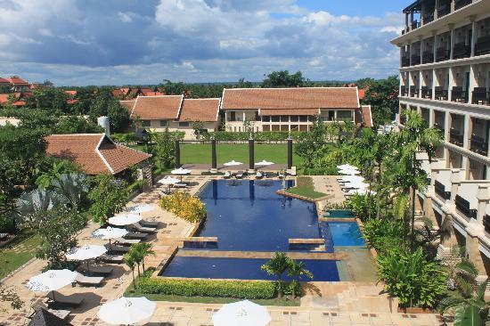 Angkor Miracle Resort & Spa: The view of the pool from room