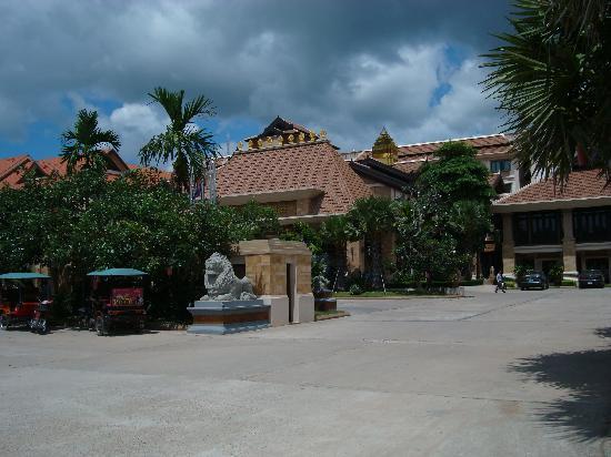 Angkor Miracle Resort & Spa: Hotel front