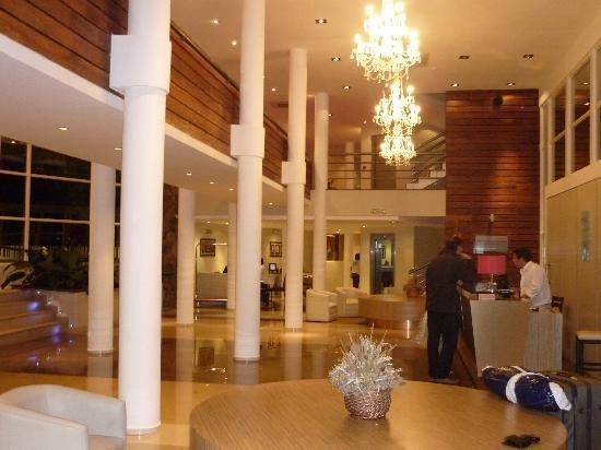Gran Hotel Tourbillon: lobby del hotel
