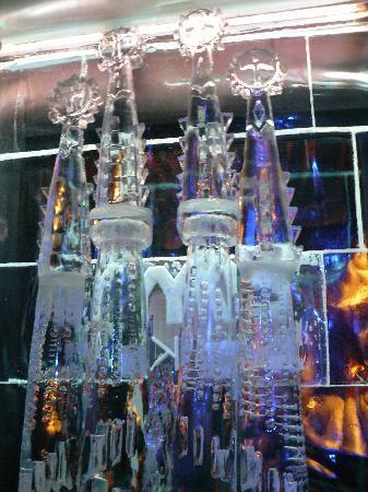 Icebarcelona: la sagrada familia en hielo