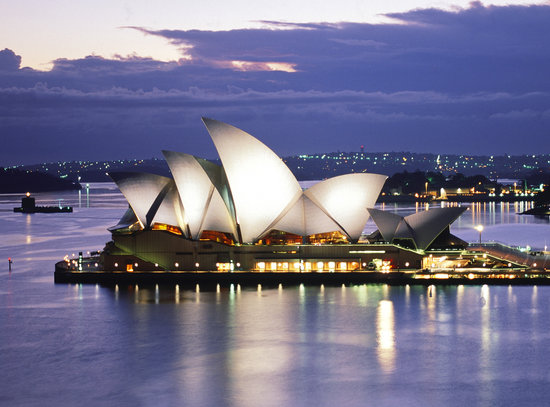 Photo of Monument / Landmark Sydney Opera House at Bennelong Point, Sydney, Ne 2000, Australia