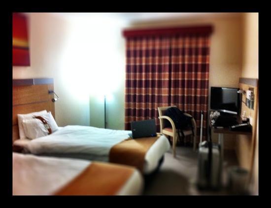 Holiday Inn Express Kettering: my room