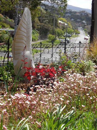 Milton House: garden glory