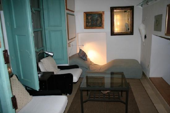 La Ermita Vivienda Turistica: Sittingroom La Era with cave for children