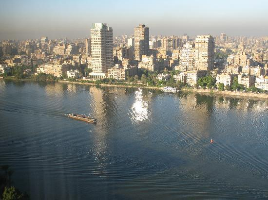 Fairmont Nile City: Cairo view from hotel room