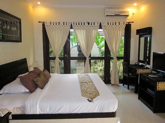 Heliconia Villas: One bedroom villa - bedroom