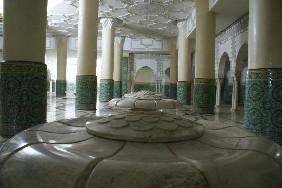 Hassan II Mosque: Interior para Abulações